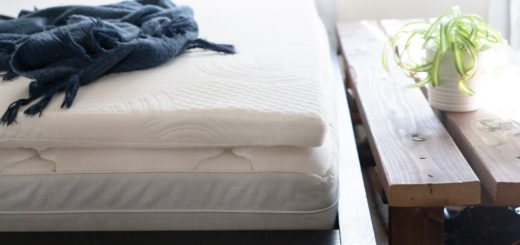 Mattress topper for pregnancy
