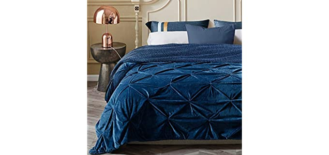 KAWAHOME Pinched - Minky Blanket for Winter
